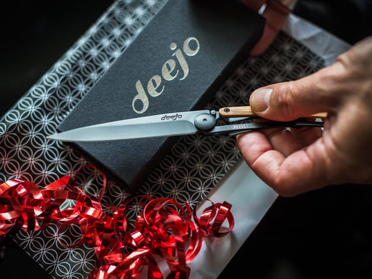 Customize a special Deejo pocket knife for dad this Father's Day.