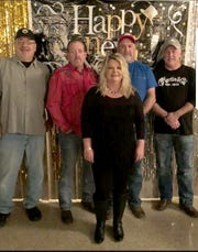 The Leslie Williams Band will perform Saturday night in downtown Yellville.