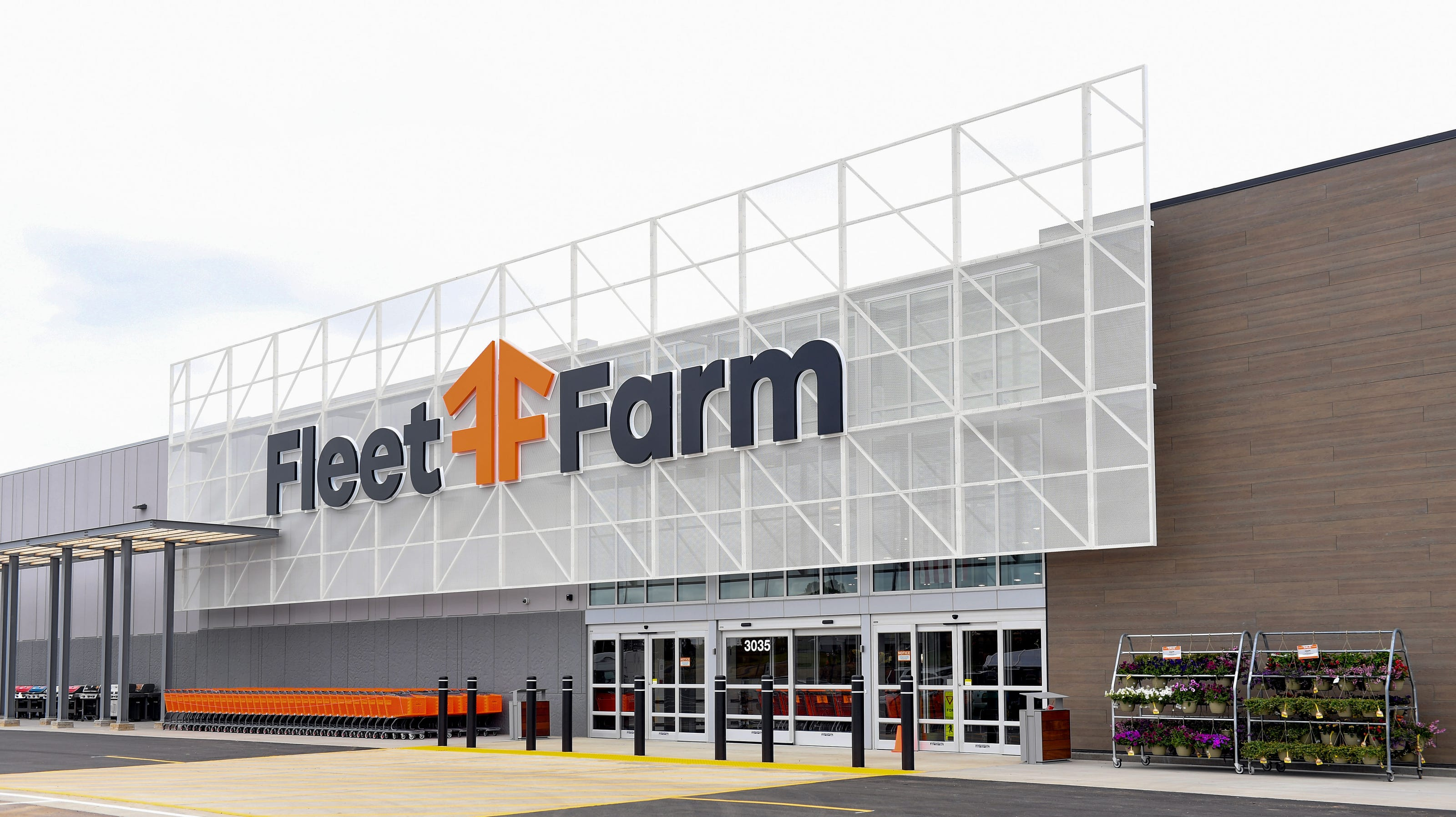 Sneak Peek Fleet Farm S New Huge Sioux Falls Location Opens Wednesday