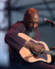 Richie Havens, who played at the original Woodstock, plays Sunday, Aug. 15, 1999, at the Day in the Garden concert in Bethel, N.Y. Havens and others who were at Woodstock 30 years ago came back for an anniversary concert at the original site.
