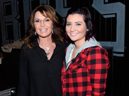 Former Alaska Gov. Sarah Palin, left, and her daughter Willow Palin in 2015.