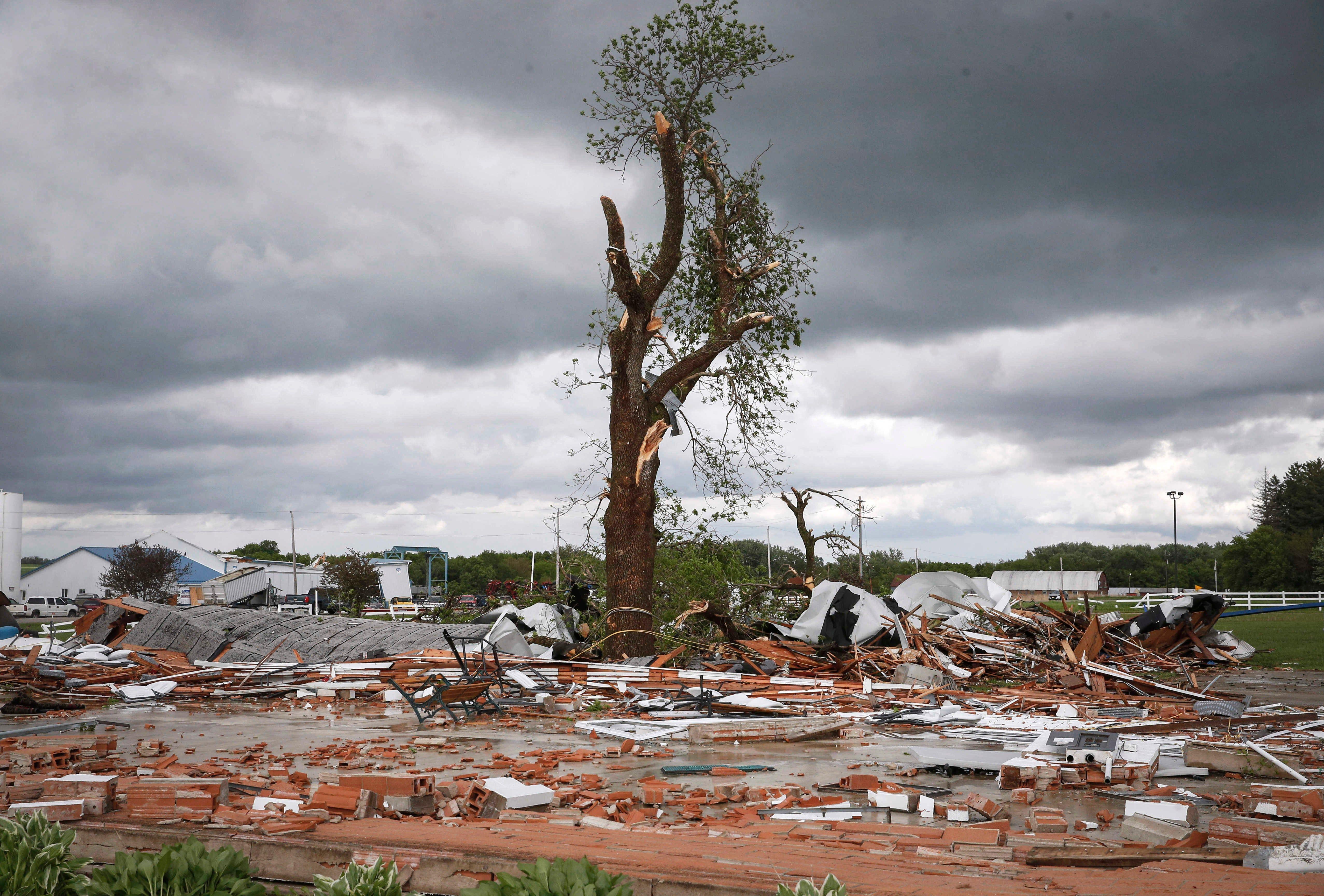 tornadoes  stuck weather pattern brings a month of mayhem