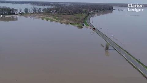 Mississippi flooding: Eagle Lake under seige for months