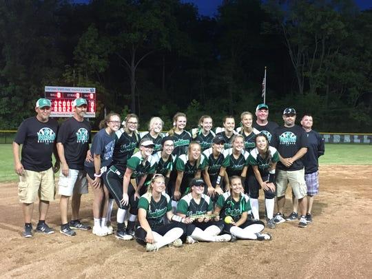 Yorktown softball celebrates its regional title. It's the program's first since 2014.