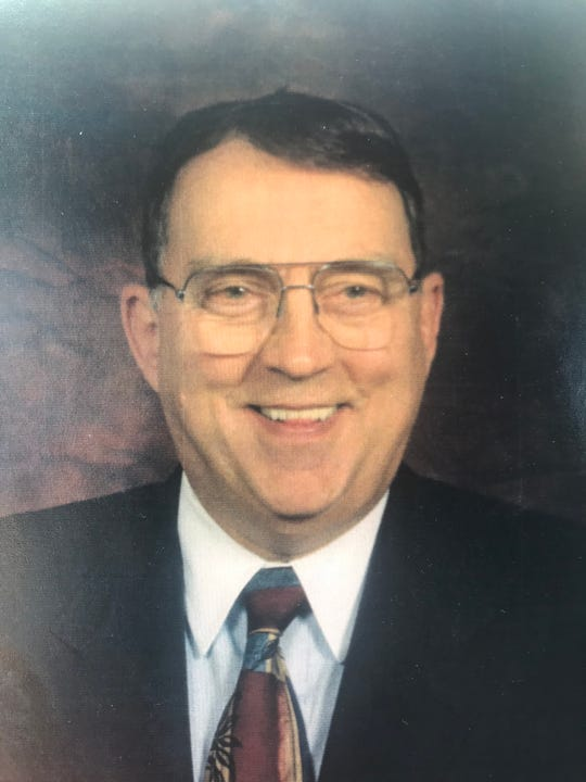 Ezra Carlisle Beasley, former director of pupil transportation for Metro Nashville Public Schools, died at 83 on Monday.
