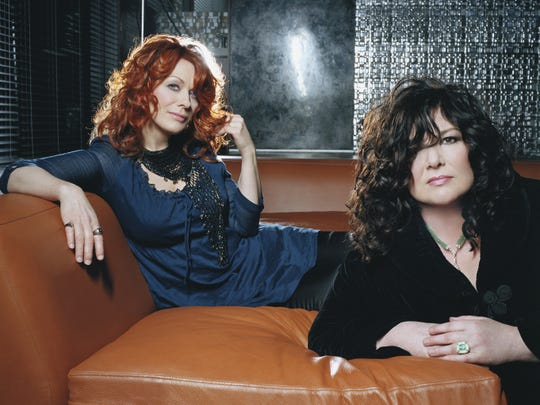 Nancy (left) and Ann Wilson of Heart.
