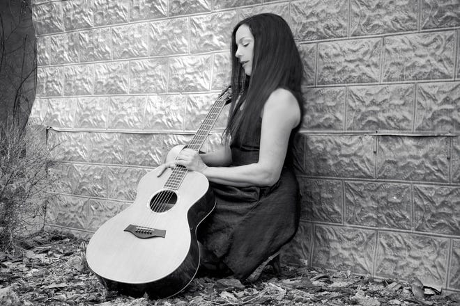 Singer-songwriter Jill Cohn opens the new season of the Cottonwood Concert Series next week at the Farmington Public Library.