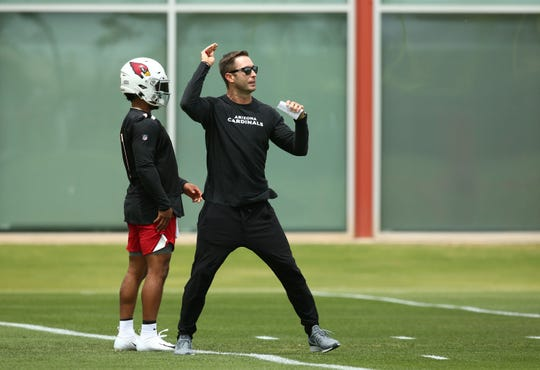 The Arizona Cardinals could be in store for another long season, according to early 2019 NFL record projections.