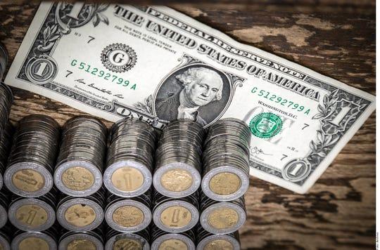 En el mercado mayorista, el incremento en el valor de la divisa de Estados Unidos es de 6.07 centavos y se vende en 19.2620 pesos y 19.2520 a la compra.