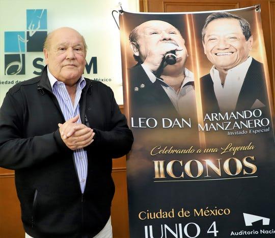 El cantautor argentino reveló que ya se está escribiendo su bioserie.