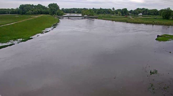 Conditions at the Big Sioux River and the diversion channel north of Sioux Falls.