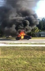 Man burned in burning car in Fellsmere