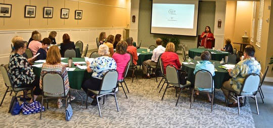 Judy Lemoncelli shares best practices during the 2018 Nominations Workshop for National Philanthropy Day.