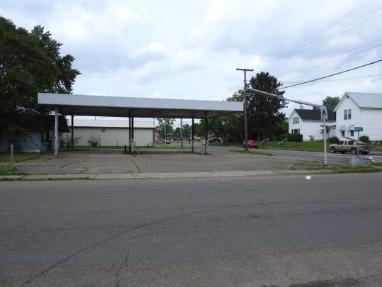 Coshocton City Council at its last meeting approved buying the former Bonded Gas Station, now owned by Speedway LLC, at 237 S. Seventh St. for $20,000. It will be used be used by the Coshocton fire Department for storage.