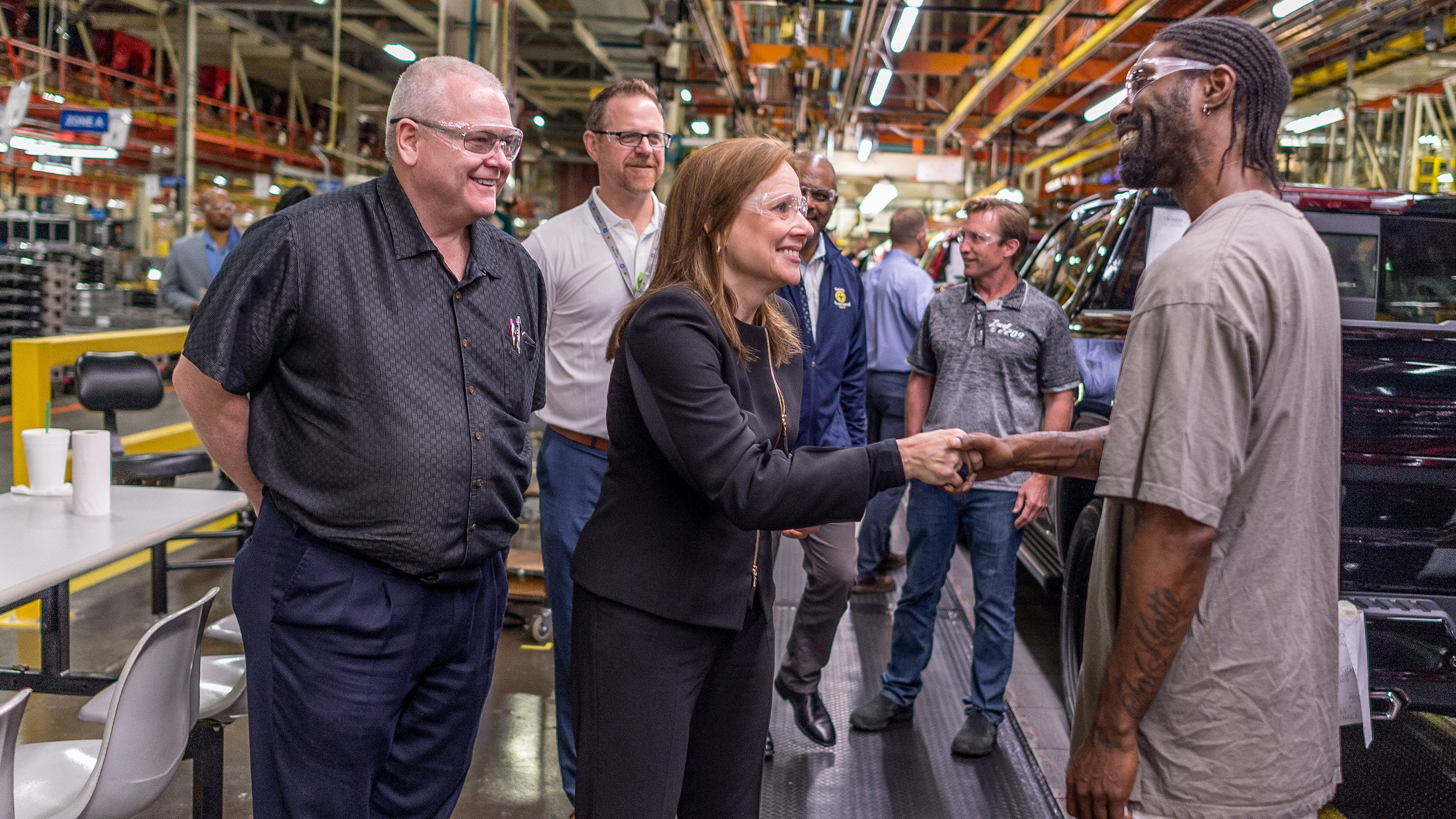 GM's Barra, leaders want to experience factory work conditions