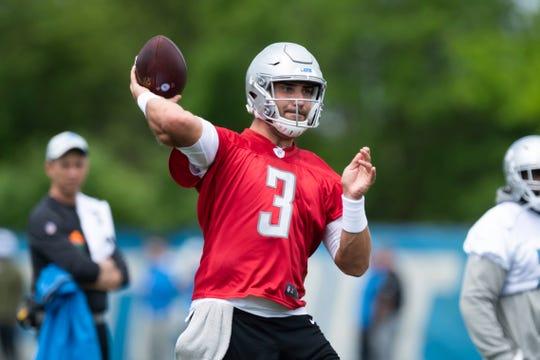 Detroit Lions quarterback Tom Savage throws a pass Thursday.