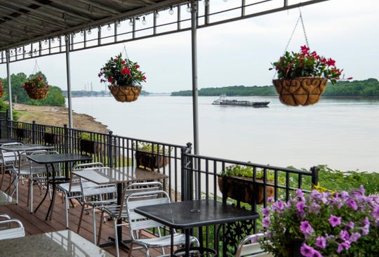 The Edgewater Grille is located at 1 East Water Street smack dab on the Ohio River.