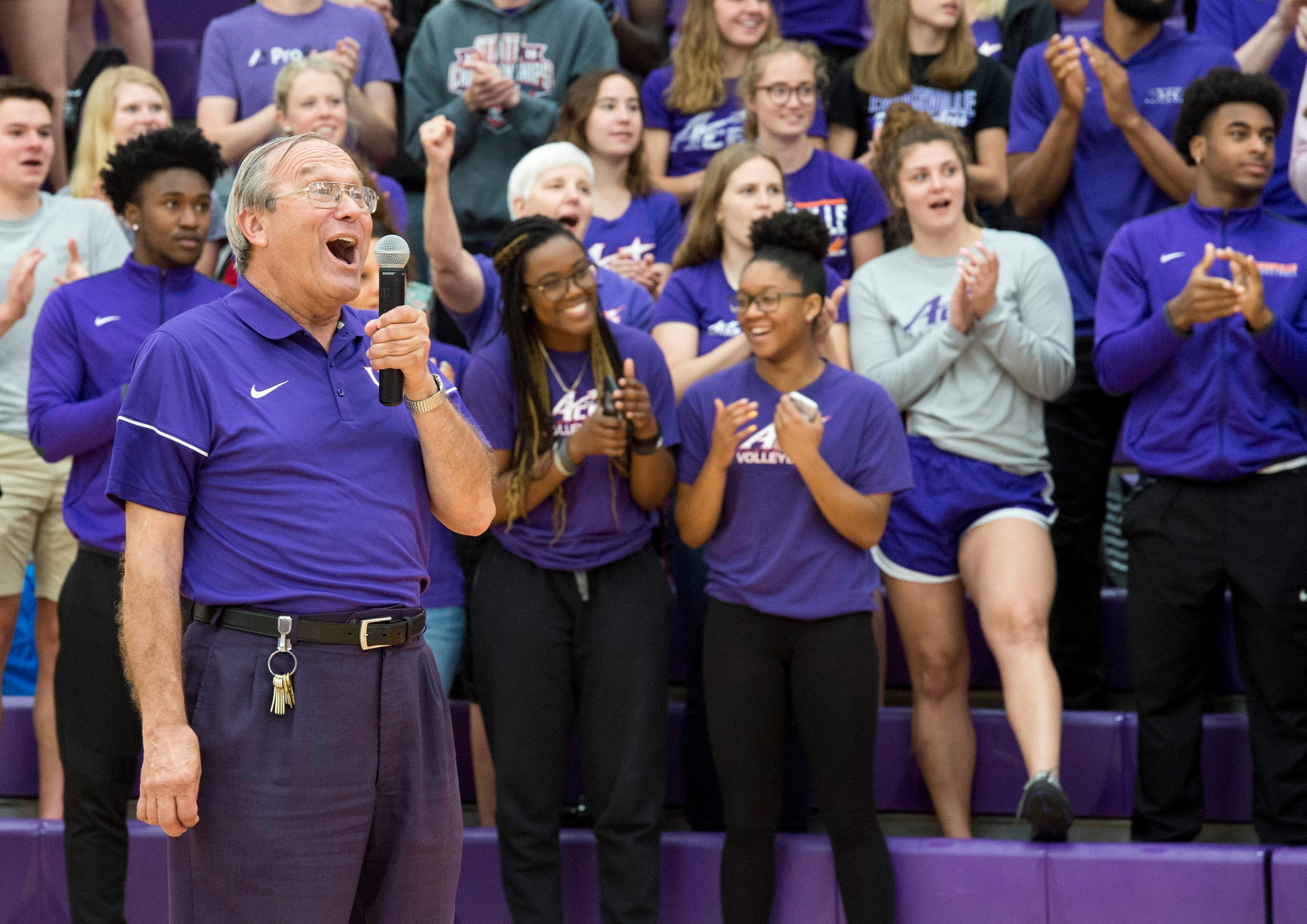 Earlier this month, University of Evansville athletics' equipment manager Daryl Buente sang the school song fight song during his sendoff after 38 years full-time with the school.