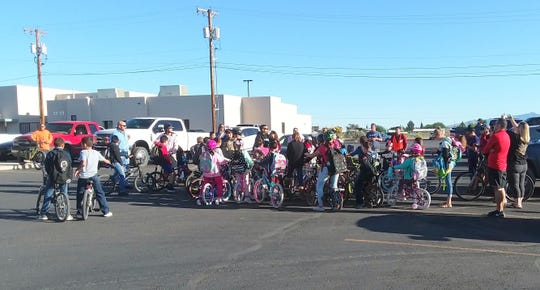 Chaparral Elementary School students rode bicycles to school on a special day to encourage the student body to enjoy bike riding and to obey the safety rules. Students met the Plaza de Florida strip center near Peppers Supermarket and took the safest route to school, escorted by faculty and staff members.