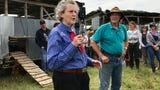 Animal scientist, Grandin tours Polyface Farms with 300 people and gives advice.
