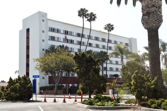 A woman and her dog died Thursday morning in a fire at a Ventura apartment building for seniors and people with disabilities.