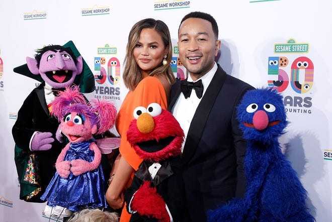 NEW YORK, NEW YORK - MAY 29: Chrissy Teigen and John Legend attend Sesame Workshop's 50th Anniversary Benefit Gala at Cipriani Wall Street on May 29, 2019 in New York City. (Photo by John Lamparski/WireImage,) ORG XMIT: 775335686 ORIG FILE ID: 1152529973
