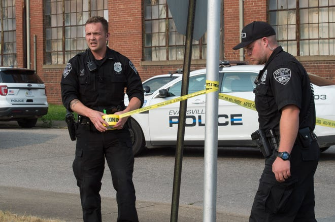 EPD officers tape off the block of 900 Park Street and 1600 W Maryland Street after one person was taken to the hospital after a shooting Friday, May 31, 2019.