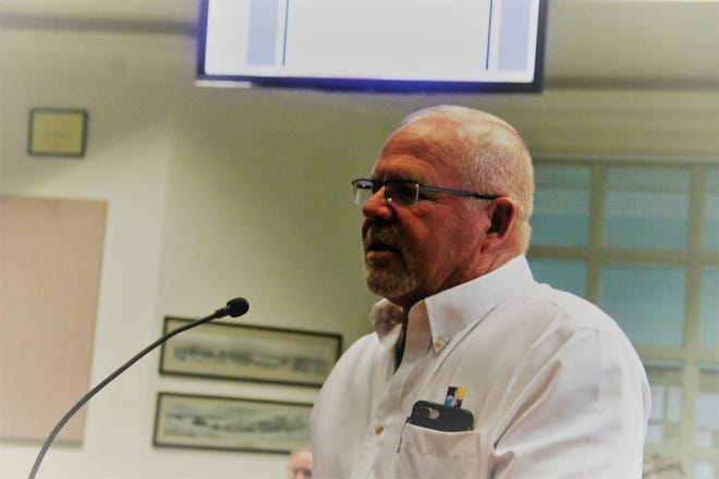 Otero County Economic Development Council Board Member Tom French speaks at the May 28 regular Alamogordo City Commission meeting.