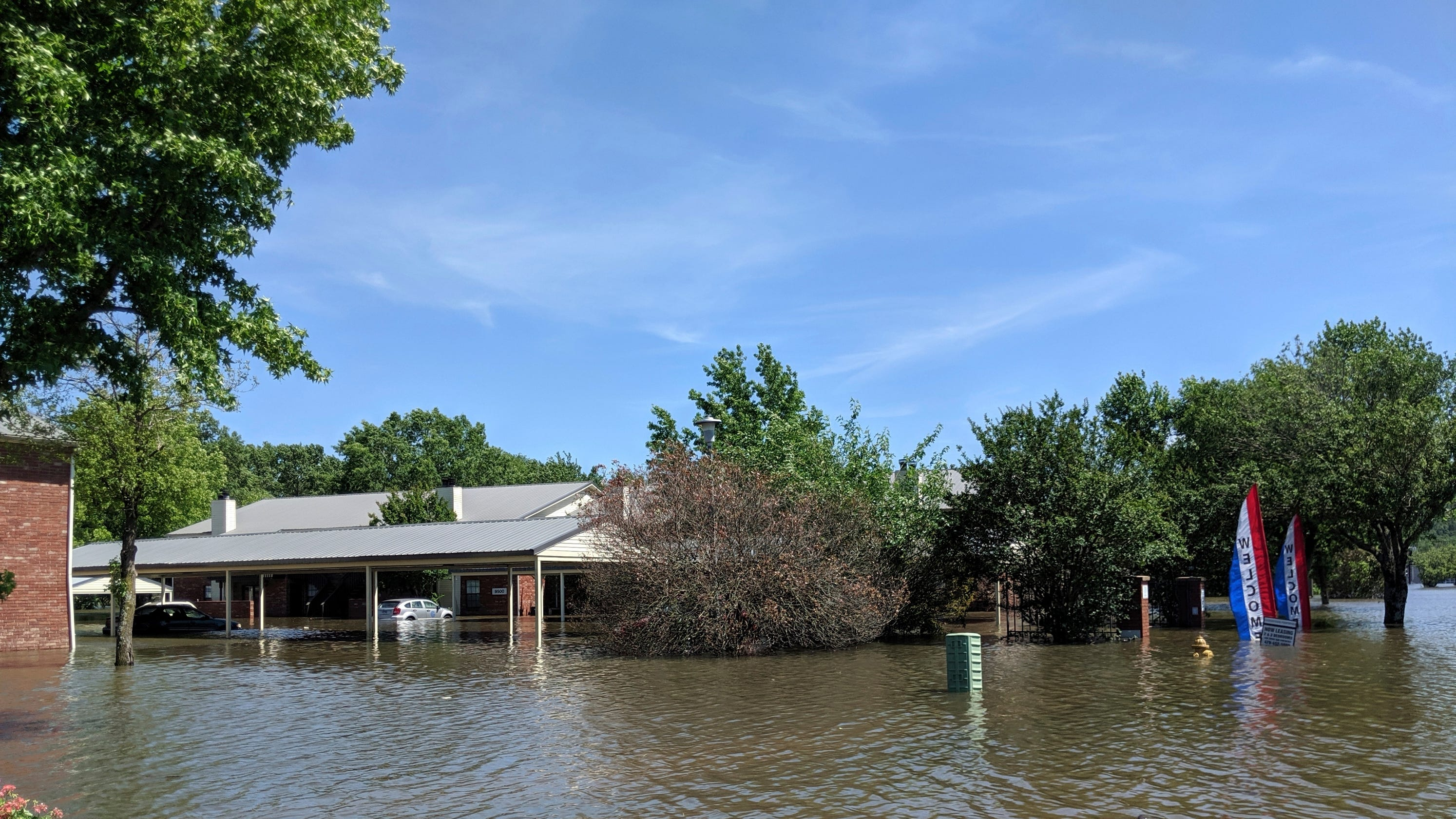 Arkansas flooding: Levee breach prompts Holla Bend evacuations