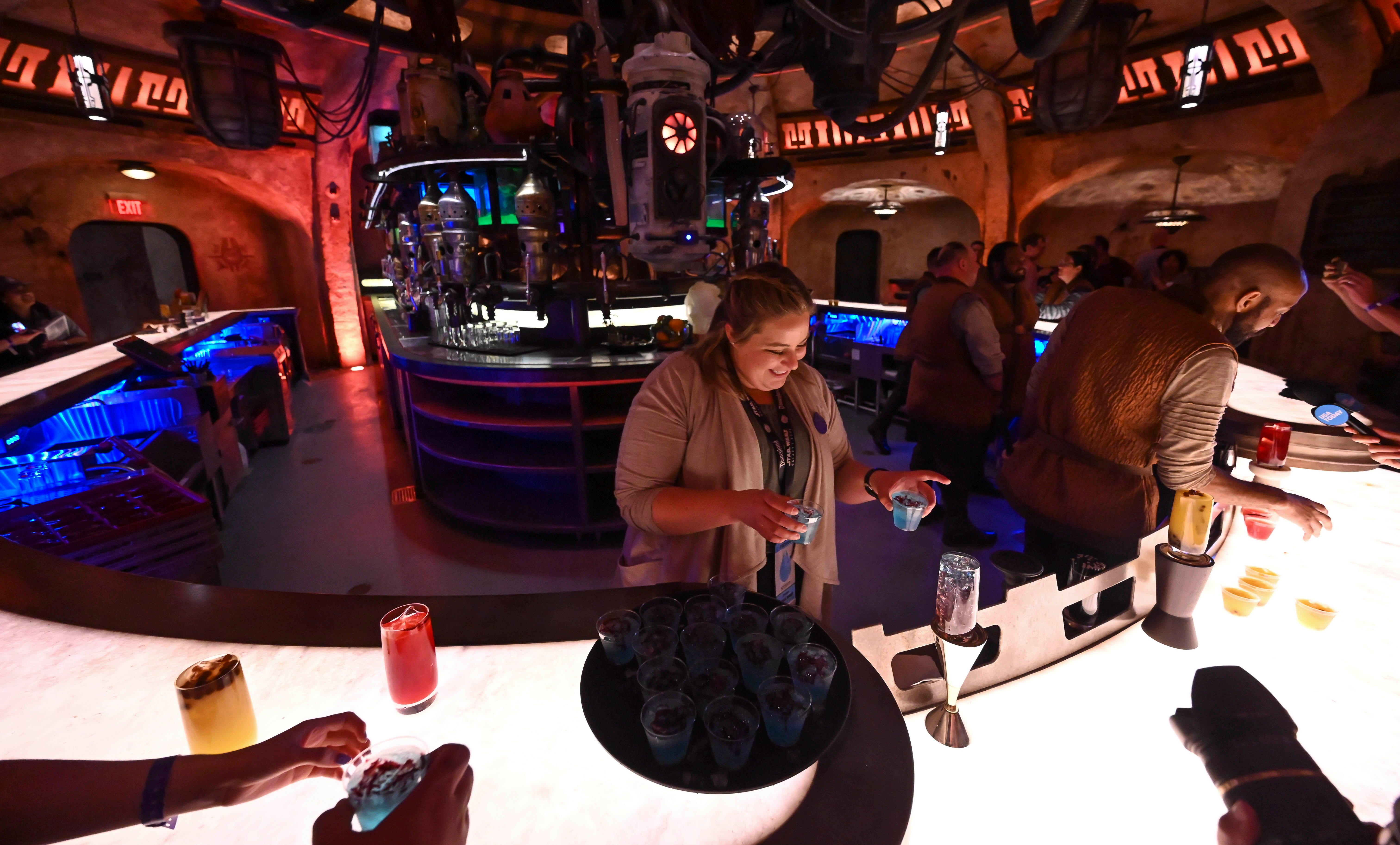 Why Cantina is the happiest place at Disneyland & Star Wars: Galaxys Edge