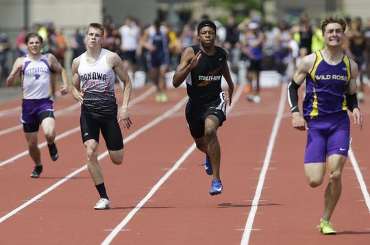Manawa's Bo Koehn runs in the 400-meter dash in Division 3 during the WIAA state track and field meet Saturday.