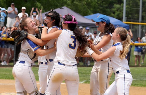 Ardsley celebrates after defeating Putnam Valley 16-5 in the Section 1 Class B softball championship game at North Rockland High School June 1, 2019.