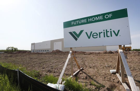 Veritiv is taking a huge warehouse on Appleton's east side.