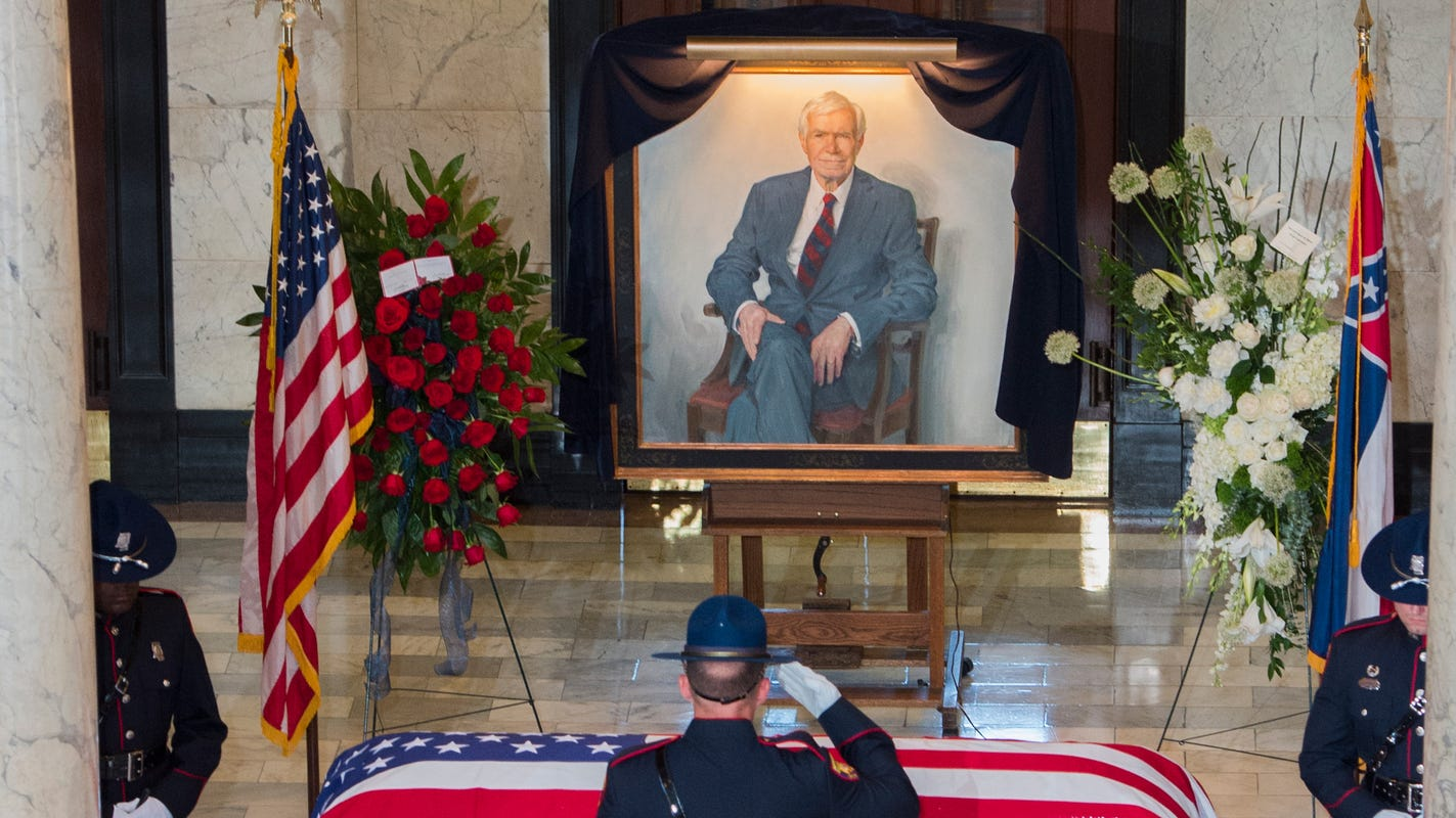 'He fought every single day for Mississippi.' Sen. Thad Cochran honored in Capitol funeral service
