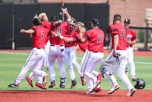 Louisville Baseball Beats Illinois State With Walk Off Rbi