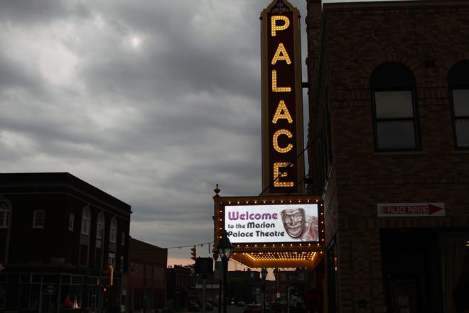 The marquee for the Marion Palace Theatre lights up as people walked inside for a Celebrate Marion Gala.