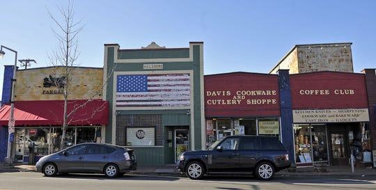 Davis Cookware and Cutlery Shoppe is closing after decades in Hillsboro Village.