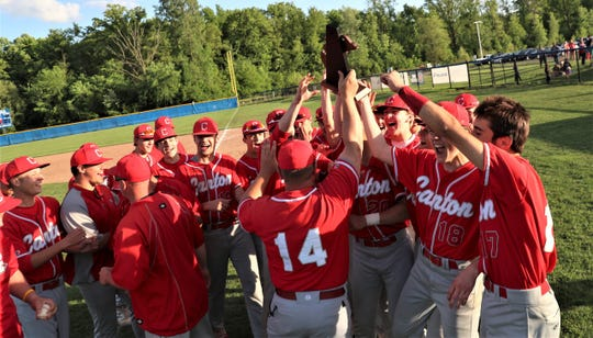 Canton celebrates its first district title since 2011.