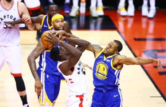 La ofensiva de Toronto fue frenada por los Warriors.