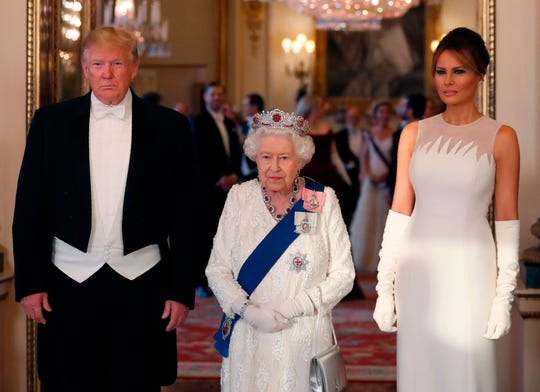 7ba58aaf6e67a Trump, Melania at Queen Elizabeth banquet; Prince William, Kate attend