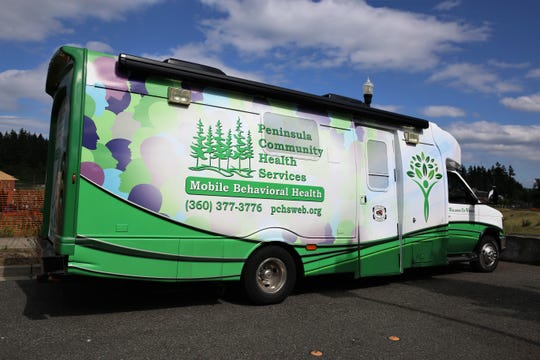 Peninsula Community Health Services rolled out a new bus to treat walk-in patients who need mental health care help curbing substance abuse.