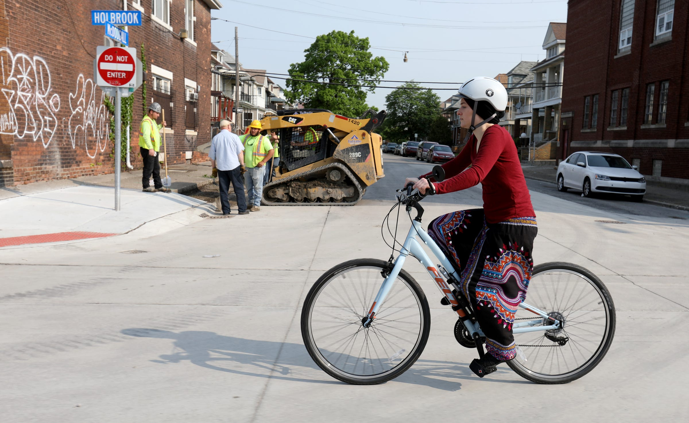 Autos vs  bikes: Watch for shrinking roads in metro Detroit