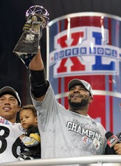 Jerome Bettis and the Steelers defeated the Seahawks in Super Bowl XL at Ford FIeld.