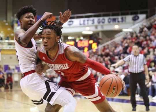 Jeffersonville's Tre Coleman plays in the 2019 state tournament.