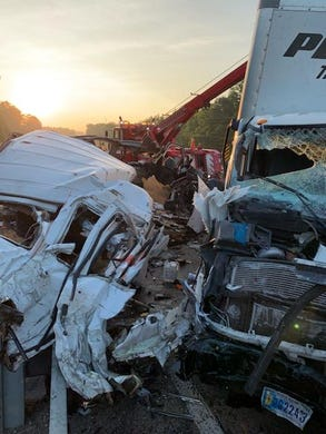 8 killed in Mississippi crash: Sheriff describes scene