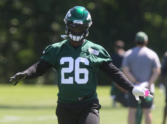 The newest Jet running back, Le'Veon Bell during warm ups at the New York Jets minicamp in Florham Park, NJ on June 4, 2019.
