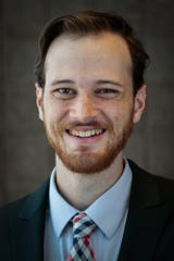 Isaac Windes, a graduate of the ASU Cronkite School of Journalism, received the 2019 Don Bolles/Arizona Republic News21 Fellowship.