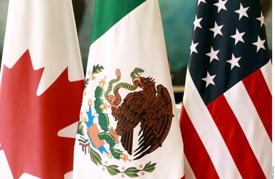 Banderas de México, Estados Unidos.