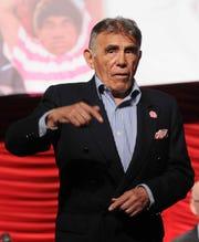 A sus 80 años de edad, don Héctor Suárez lucha contra el cáncer de vejiga.