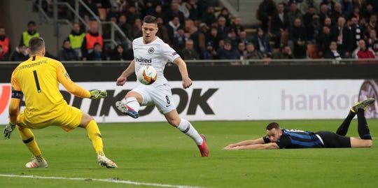 Luka Jovic es goleador nato.